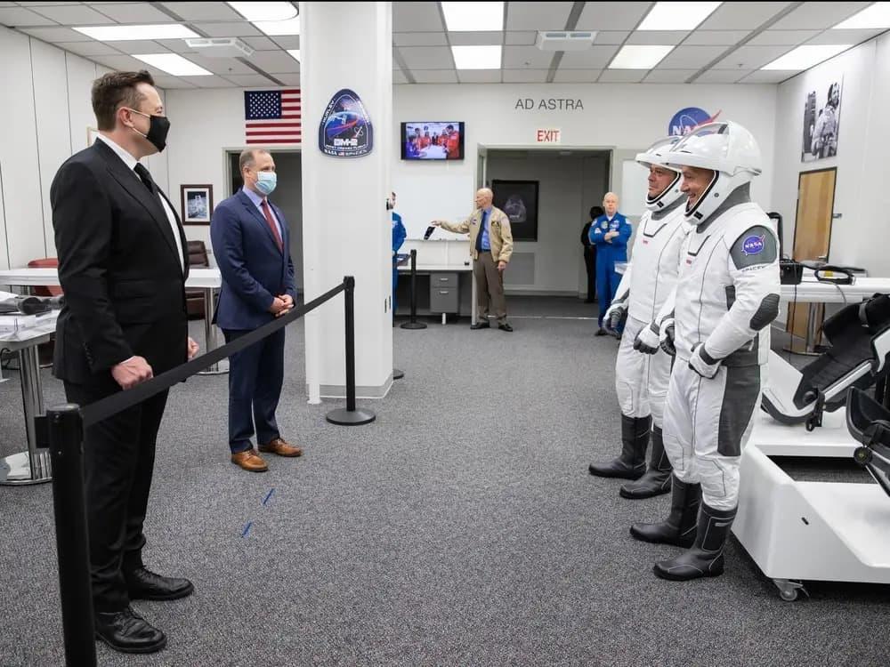 โครงการ SpaceX ของอีลอนได้สร้างประวัติศาสตร์โดยการพานักบินอวกาศของนาซ่า 2 คนเดินทางมุ่งหน้าไปที่สถานีอวกาศนานาชาติ