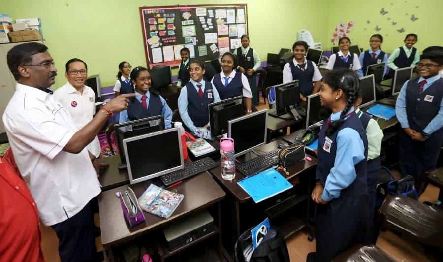มาเลเซียสนับสนุนการศึกษา
